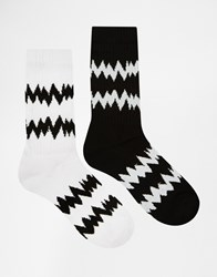 Asos Sports Style Socks 2 Pack With Zig Zag Design White