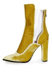 Unique Valiant Pointed Boots By Yellow
