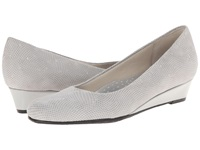 Trotters Lauren Light Grey 3D Patent Suede Leather Women's Slip On Dress Shoes Gray