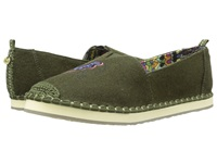 The Sak Echo Critter Olive Elephant Women's Flat Shoes