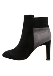 Chocolate Schubar Ankle Boots Black