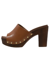 Eden Sandals Cognac
