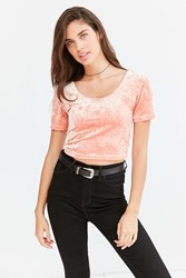 Silence And Noise Tavi Crushed Velvet Cropped Tee Peach