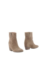 Janet And Janet Ankle Boots