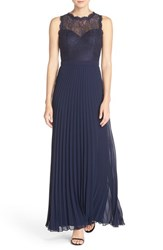 Xscape Evenings Women's Lace And Pleat Chiffon Gown