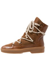 Kmb Polar Laceup Boots Brandy Tono Brown