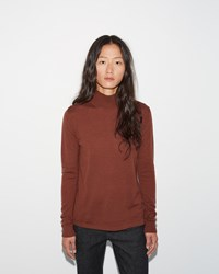 Moderne Portrait Turtleneck Maroon