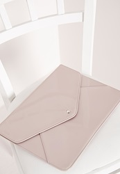Missguided Patent Envelope Clutch Nude Beige
