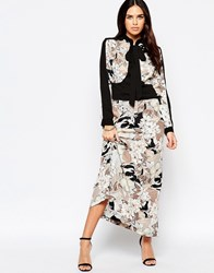 Liquorish Maxi Dress With Pussybow In Large Floral Print Nude Floral Beige