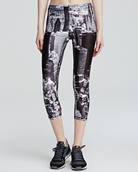 Zara Terez Leggings Nyc Skyline Print Capri Black White