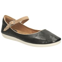 Clarks Feature Film Flat Heeled Mary Jane Pumps Black Leather
