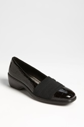 Aravon 'Kasey' Slip On Black