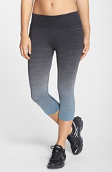 Brooks 'Streaker' Capri Leggings Oxford Black