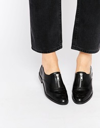 New Look Flat Shoes With Zip Black