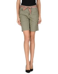 Jucca Bermudas Military Green
