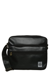 Gola Freeman Matt Across Body Bag Black