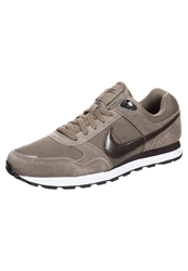 Nike Sportswear Md Runner Trainers Dark Dune Velvet Brown White Khaki