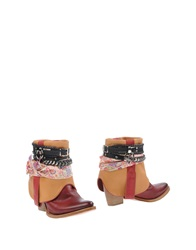 Barracuda Ankle Boots Red