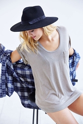 Truly Madly Deeply Scoopneck Slouch Pocket Tee Olive