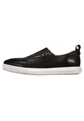 Cult Prince Slipons Black