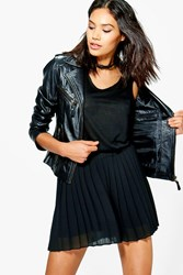 Boohoo Pleated Chiffon Flippy Short Black