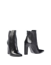 Vic Ankle Boots Black