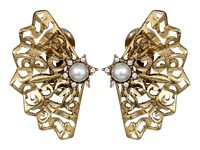 Oscar De La Renta Pearl Filigree Button C Earrings Light Gold Earring