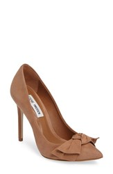 Steve Madden Women's Token Pointy Toe Pump Camel Nubuck Leather