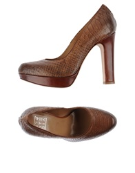 Strategia Pumps Brown