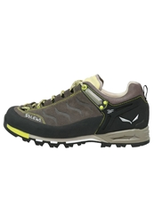 Salewa Mtn Trainer Walking Shoes Bungee Cord Mimosa Brown