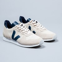 Veja Women's Natural Holiday Low Trainers