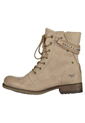 Mustang Laceup Boots Ivory Beige
