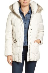 Larry Levine Women's Quilted Coat With Faux Fur Trim Ivory
