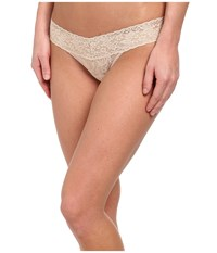 Hanky Panky Petite Signature Lace Low Rise Thong Chai Women's Underwear Brown