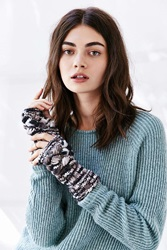 Urban Outfitters Spacedyed Chunky Cable Fingerless Glove Navy