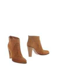 Michel Perry Ankle Boots Camel