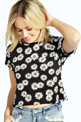 Boohoo Daisy Print Turn Back Crop Tee Black