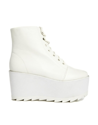 Yru Hercules White Platform Lace Up Boots