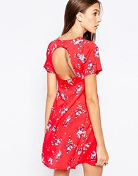 Influence Pleat Front Open Back Tea Dress Red