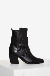 Urge Tame Leather Boot Black