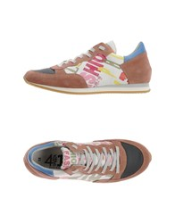 Quattrobarradodici Footwear Low Tops And Trainers Women Pastel Pink