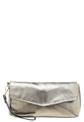 Kiomi Clutch Gold Metallic