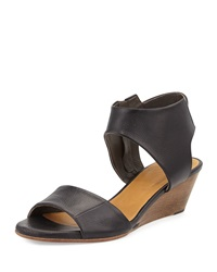 Coclico Kiss Leather Demi Wedge Sandal Black