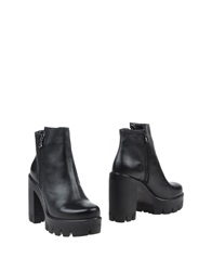 Nicole Ankle Boots
