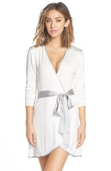 Fleurt 'Autumn Bride' Short Robe Ivory Silver