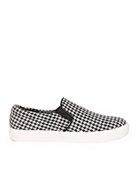 Pixie Market Houndstooth Slip On Shoes