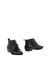 Collection Privee Ankle Boots Black