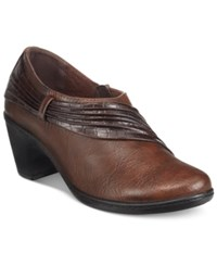 Easy Street Shoes Northern Shooties Women's Tan Combo
