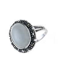 Lord And Taylor Oval Jade Ring White Silver
