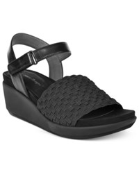 Bare Traps Erker Stretch Wedge Sandals Women's Shoes Black